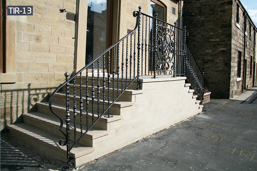 Outdoor wrought iron step railing for home