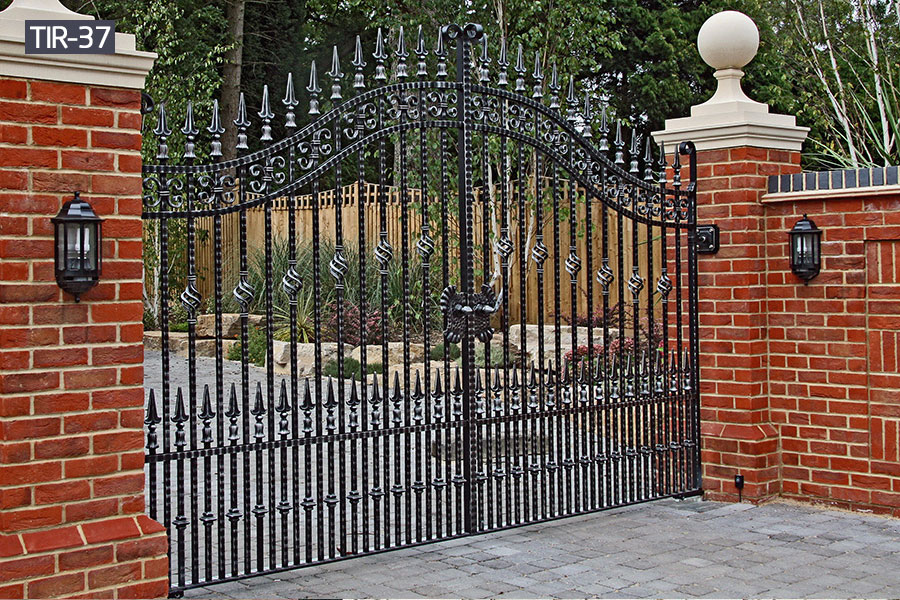 Buy 6ft black metal gate for house driveway