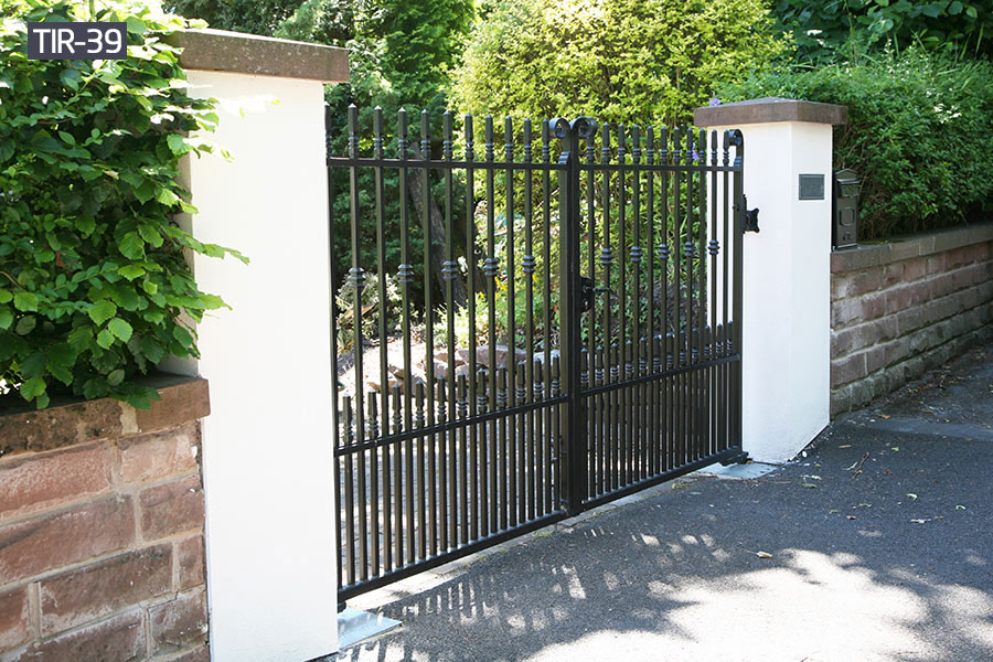 House simple design metal entry gates for sale