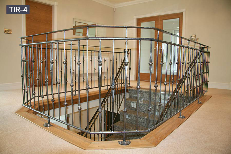 Home indoor circular iron staircase design