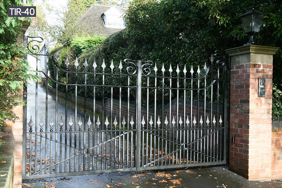 Outdoor metal wrought iron garden gates for sale