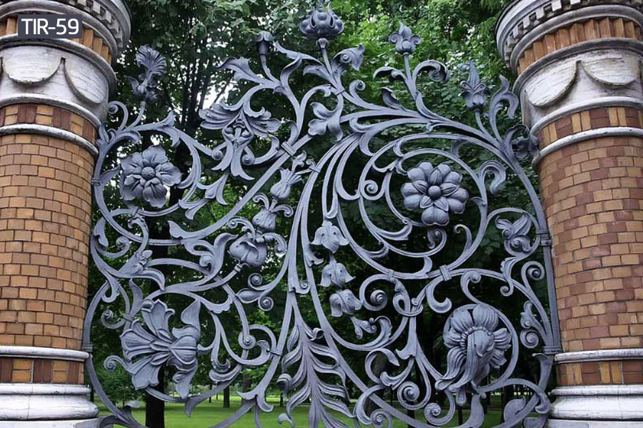 Buy ornamental wrought iron fencefor outdoor