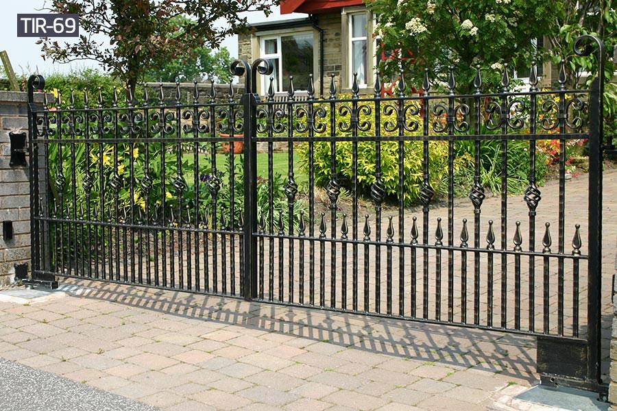 Black wrought iron fencerailing for yard decor