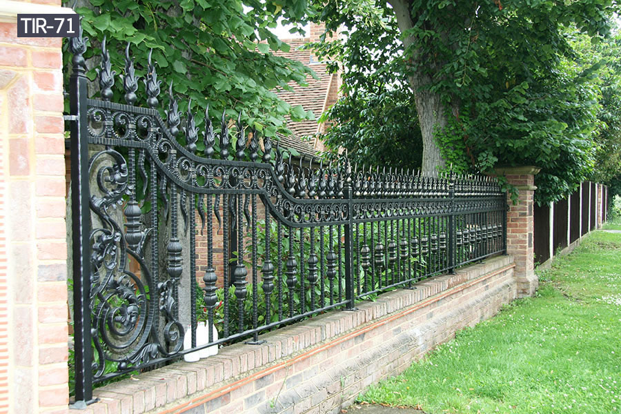 Outdoor wrought iron fence panelsfor sale