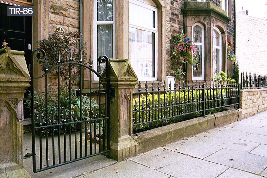 Small black wrought iron fence panelsdesigns