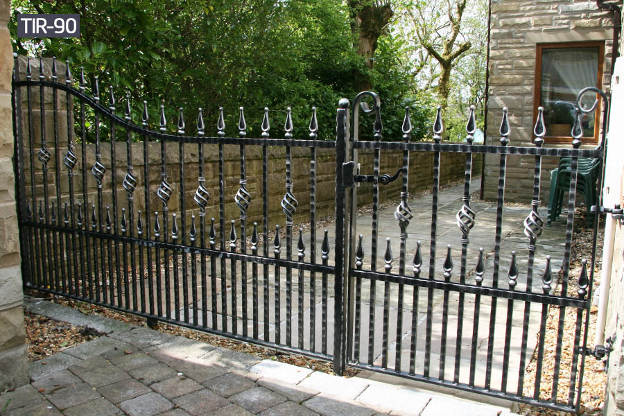 Outside wrought iron rail fence installation cost