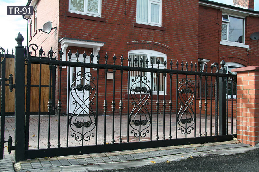 Black metal iron wrought fence for sale